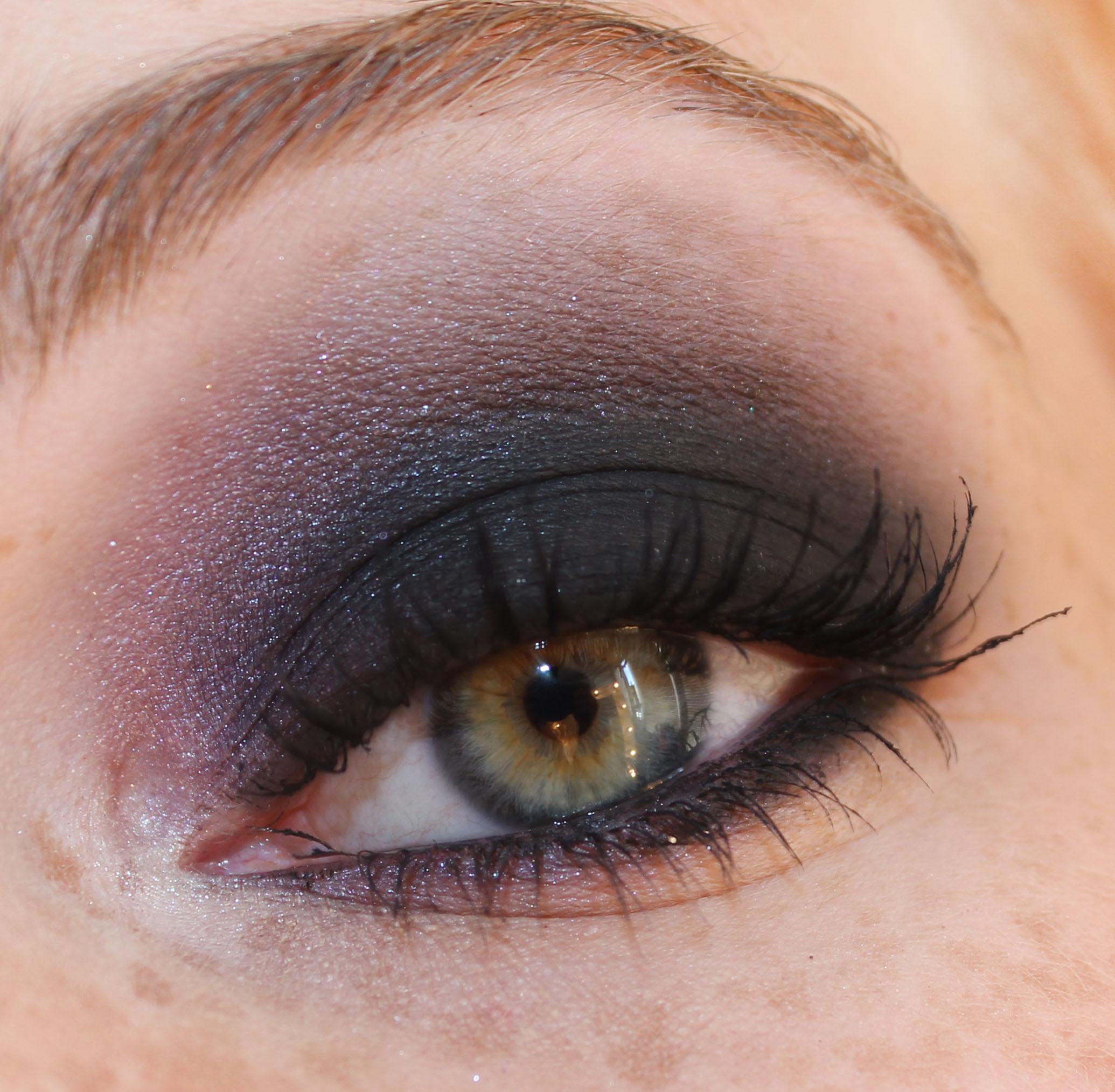brun gröna ögon