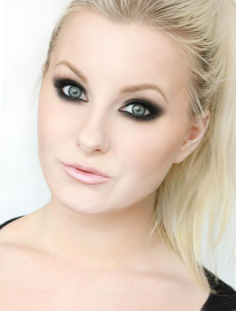 perrie-edwards-smokey-eye-maquillaje