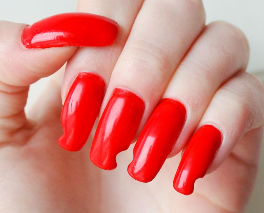 lysröda-naglar