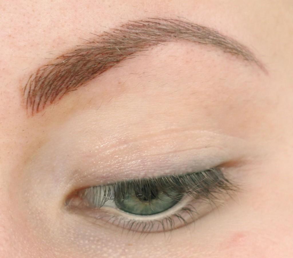 kosmetisk-tatuering-ögonbryn