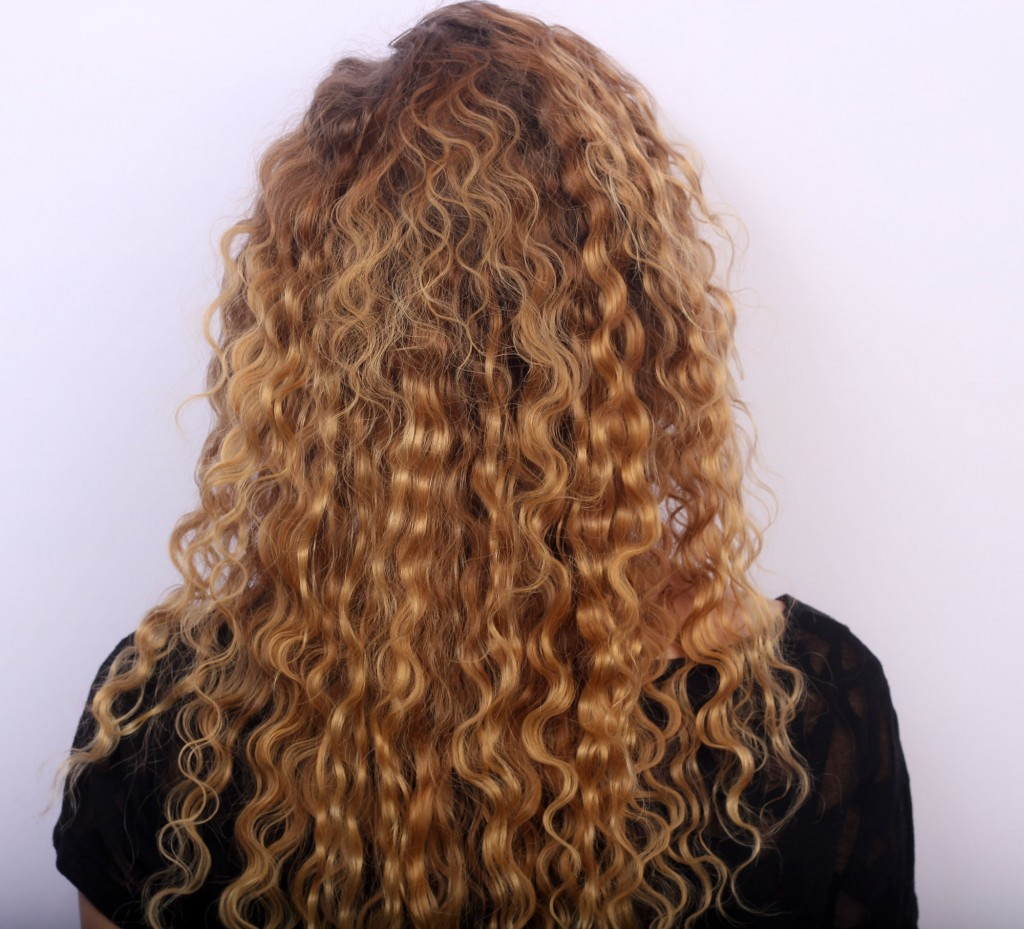 small-curled-waves