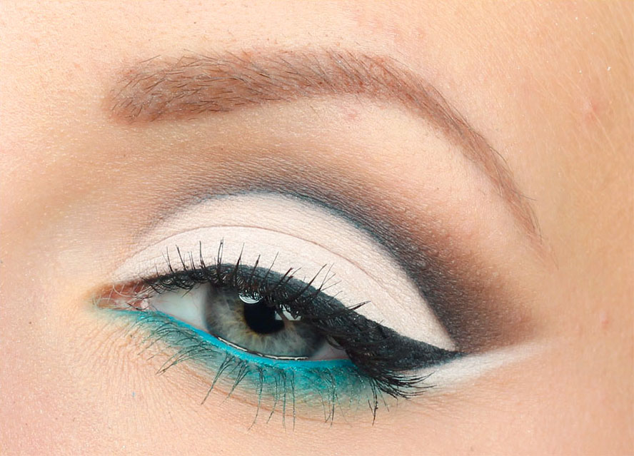 turquoise-cut-crease