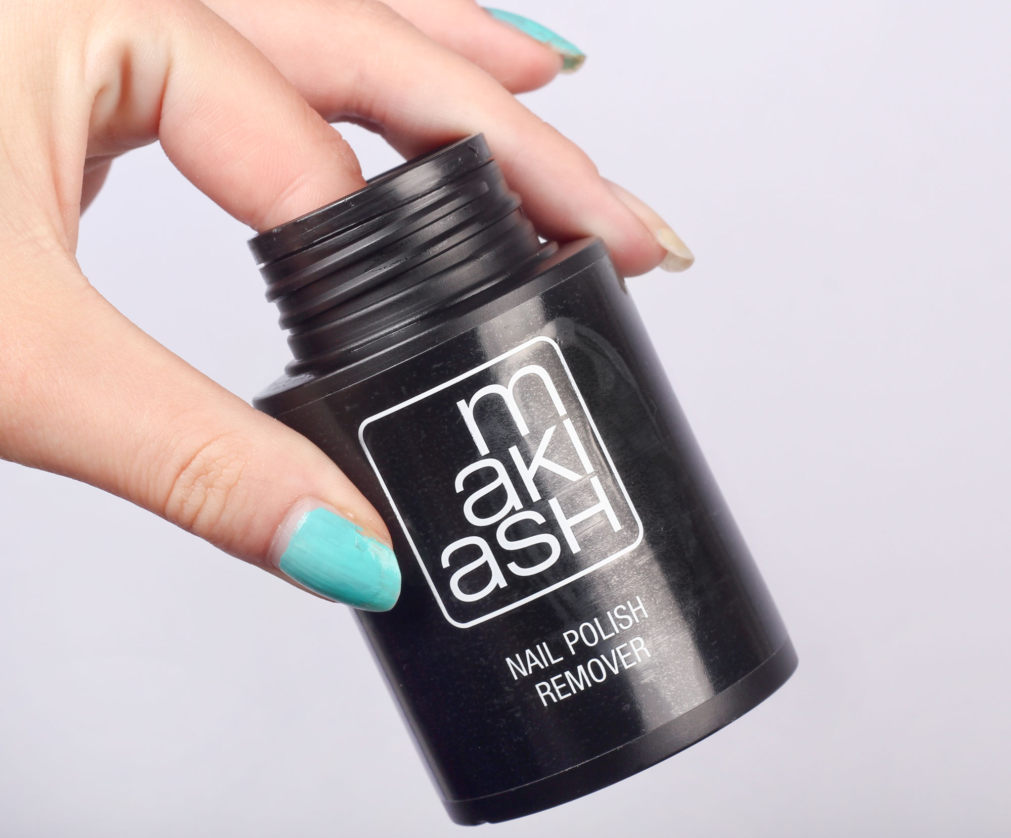 makiash-nail-polish-remover