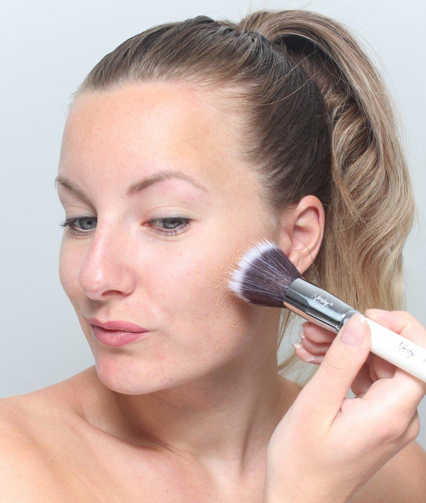 maquíllate con brochas de maquillaje