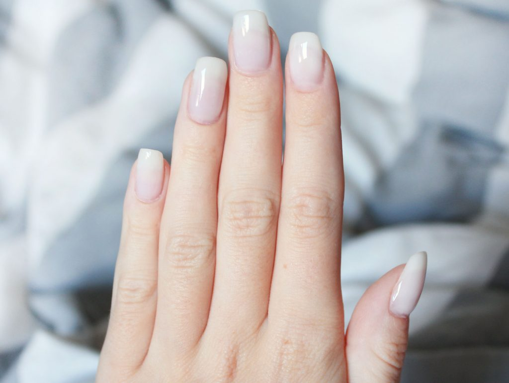 Make acrylic nails on yourself at home