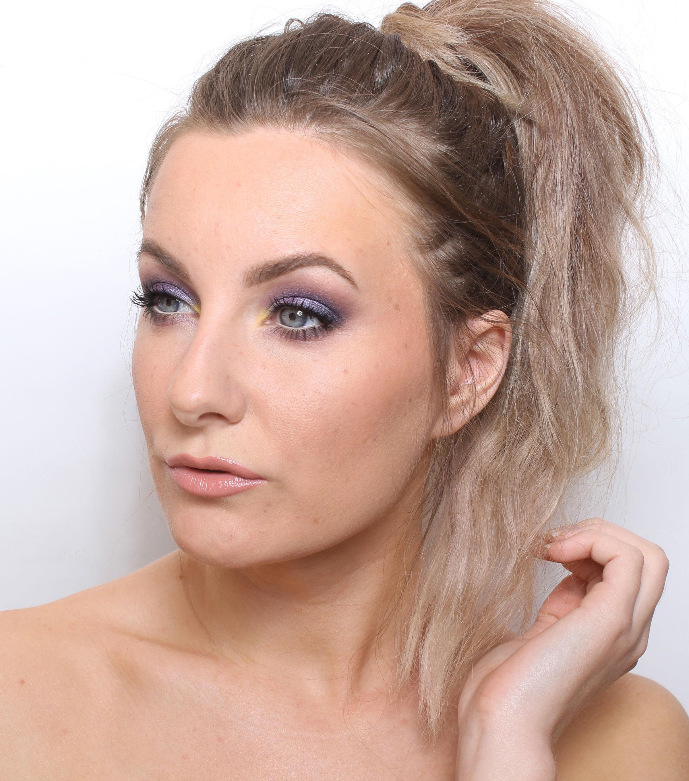 maquillaje morado paso a paso