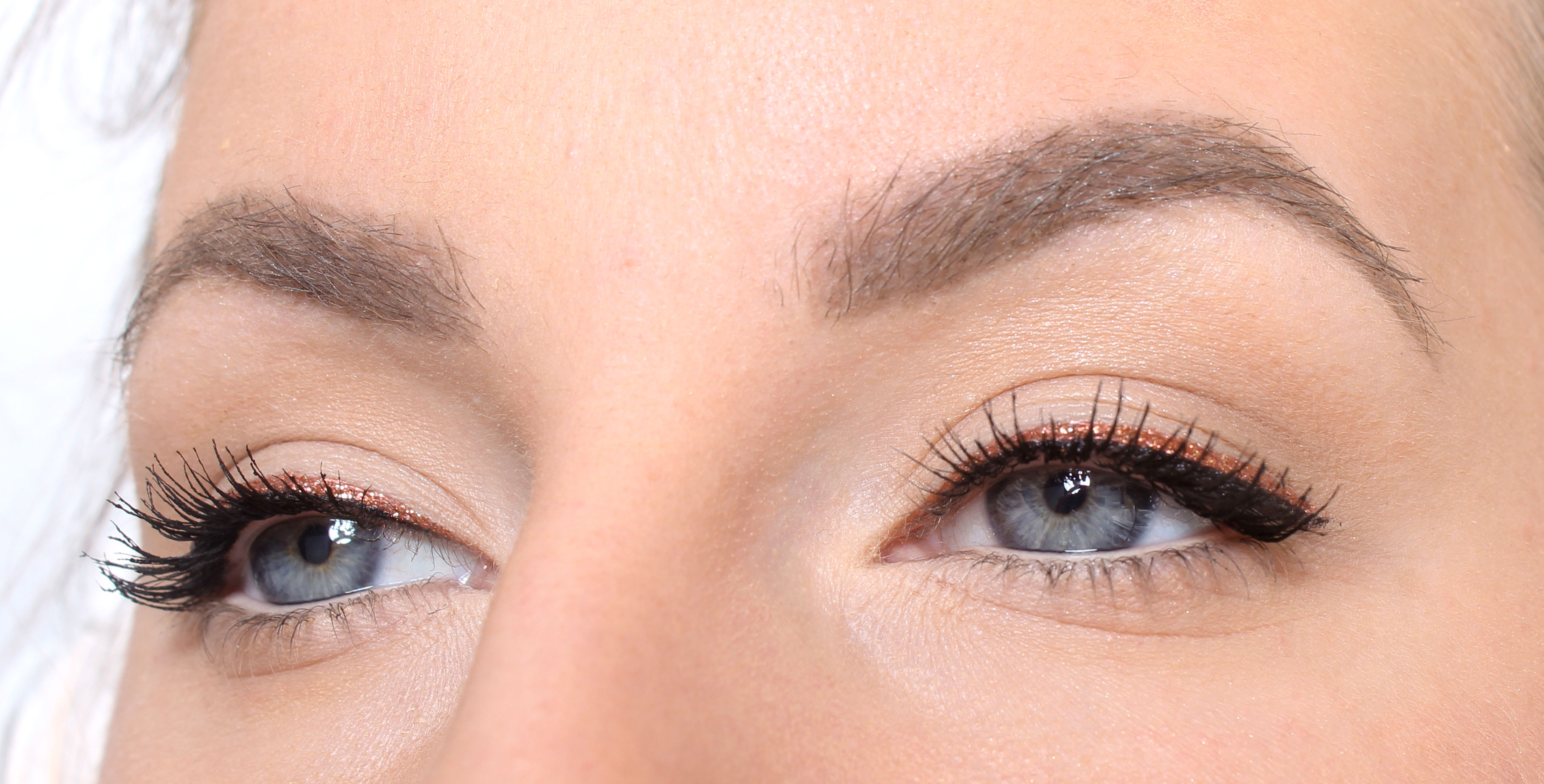 eyeliner without wing with glitter