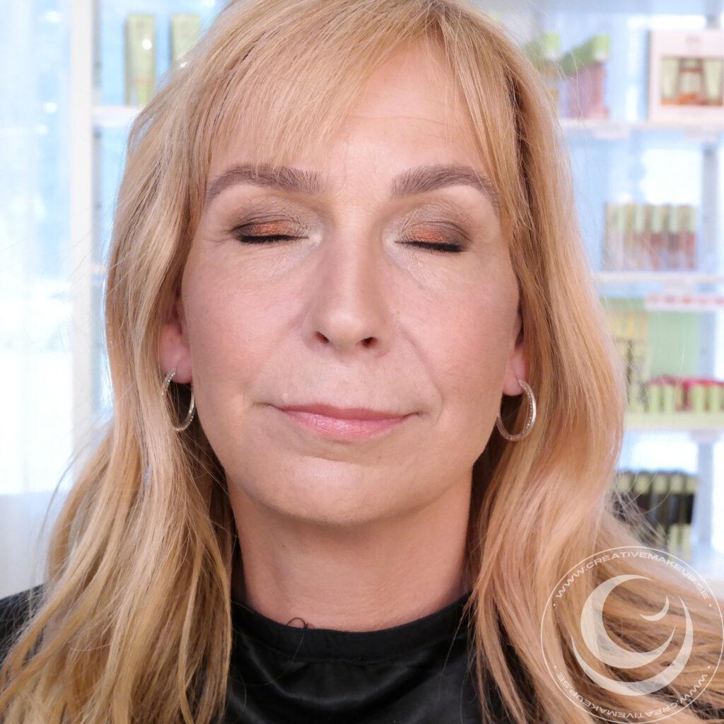 maquillaje 40+ con color