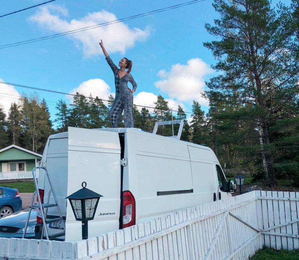 construir la vida de la furgoneta con techo corredizo