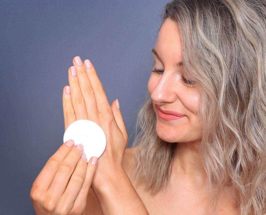 cotton, hand, makeup tips, beauty blogger, beauty tips, hands feet