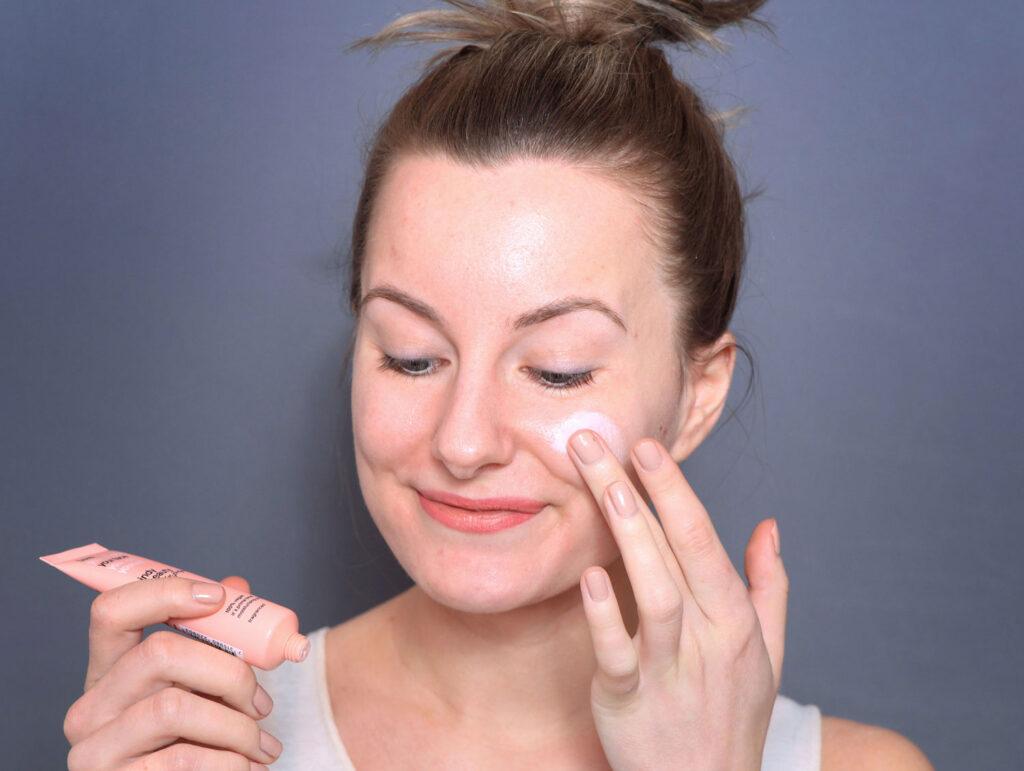 ¡Es hora de máxima audiencia! Revisión de la base hidratante SPF30, base hidratante, base para piel seca, base spf, maquillaje con protector solar