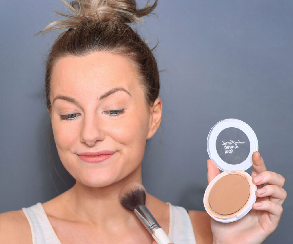 Indy Beauty - Bring On The Sun! Bronzing Sculpting Powder recension, indy beauty solpuder, indy beauty bronzer