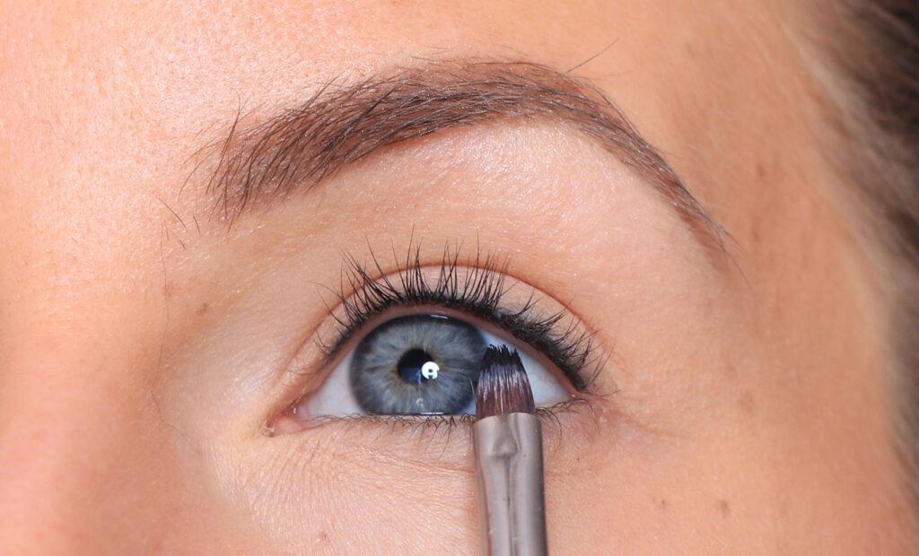 lashliner, fringe marking, eyeliner, makeup tips