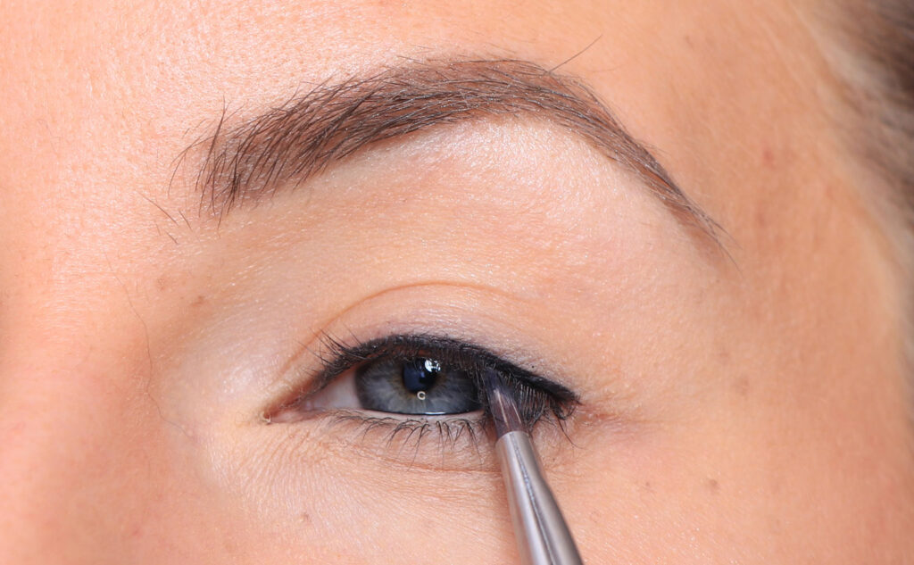 lashliner, lash marking, eyeliner, makeup tips, step by step, eye shadow