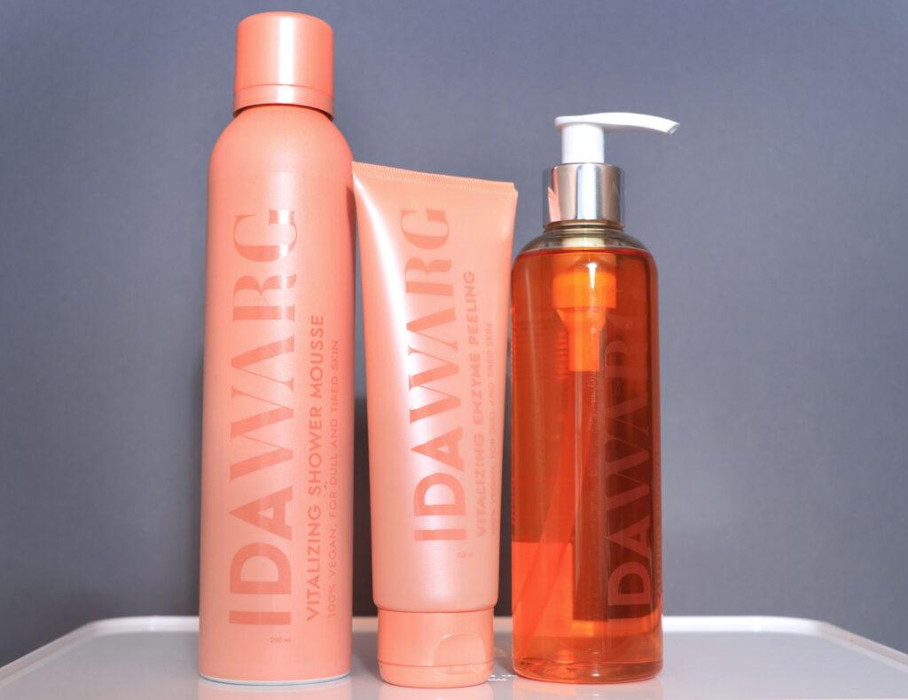 kroppsvård, ida warg, recension, shower oil, vitalizing, enzyme body peel, shower mousse