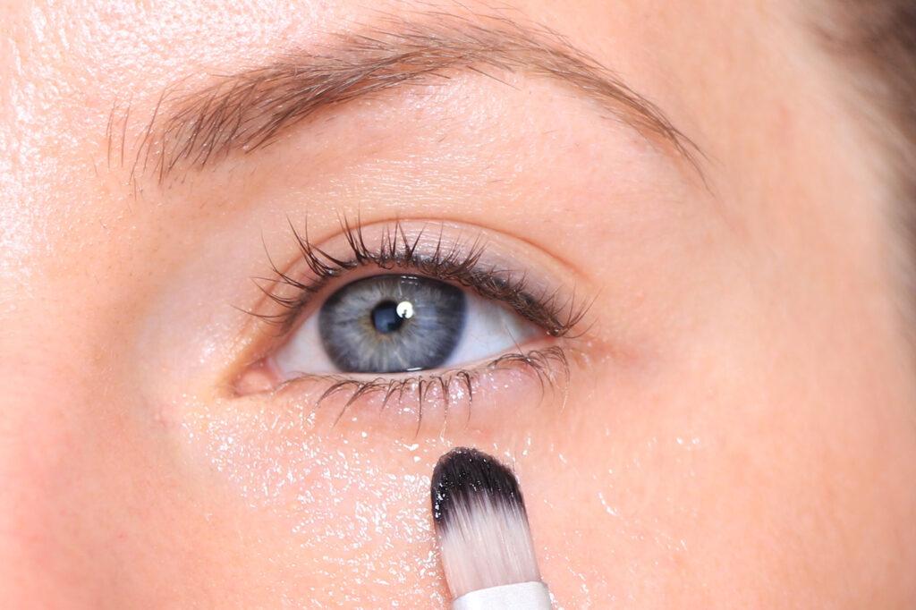 vaselin, flytande vaselin, öga, ögon, pensel, tips, underfransar